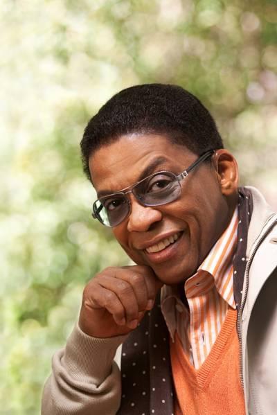 Svetoznámy pianista aguru funku, jazzu ahip hopu Herbie Hancock vystúpi vnovembri v Brne