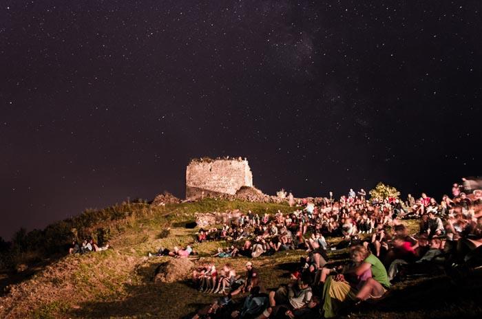 Filmová noc sa vracia na Šarišský hrad