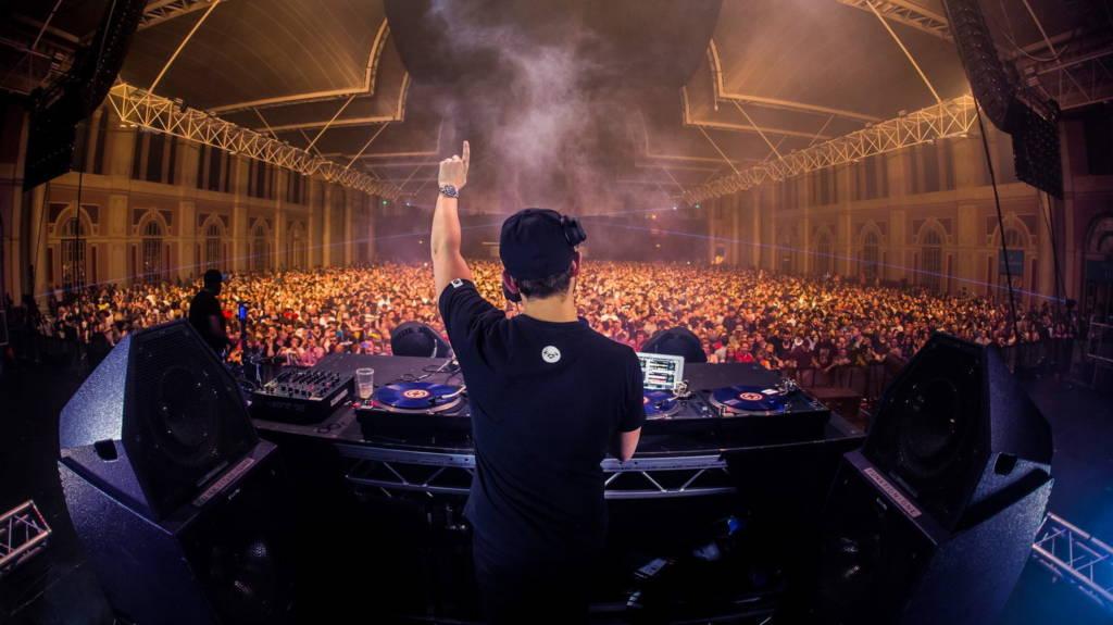 ANDY C – DJ, ktorý vypredáva 10-tisícove haly vystúpi na Slovensku