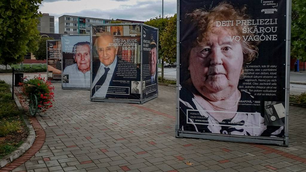 Výstavu Príbehy 20. storočia si môžu pozrieť obyvatelia Bratislavy v mestskej časti Devín